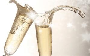 Toasting_champagne_2789288b[1]